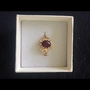 Jewelry - Faux garnet ring